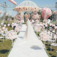 滨江湿地草坪婚礼